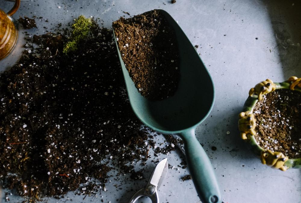 HOW TO VIDEO: Improving Garden Soil